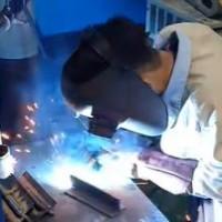 VJEC技能実習生の溶接テスト